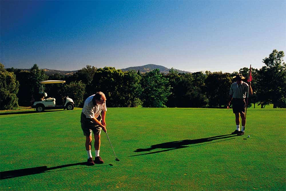 Old_men_are_playing_golf_in_Bright_Victoria